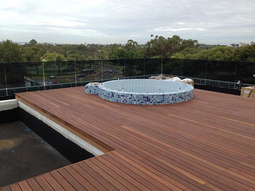 Deck-With-Pool-With-Buzon-Underneath